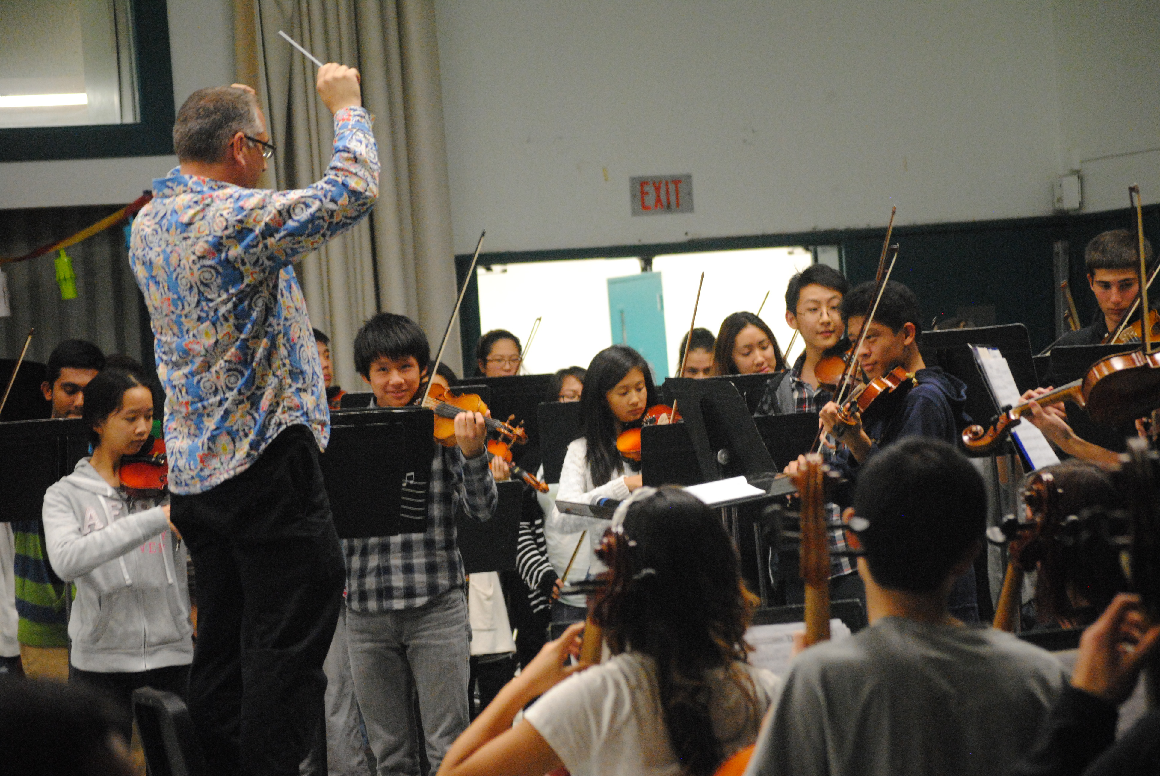 Members of Symphony Orchestra perform on Nov. 14. Photo by Jessica Mi.