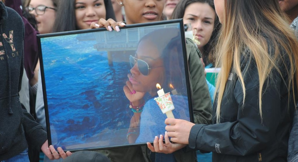 Students mourned and celebrated the life of their friend Terri Byrd. Photo by Anna Nguyen